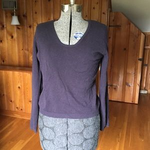 Benetton 100% wool vintage sweater in plum